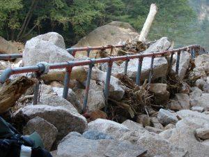 Následky tajfunových srážek (národní park Seoraksan, Jižní Korea), foto J. Altman